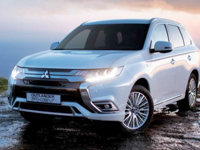 Review Mitsubishi Outlander PHEV: Mobil Listrik Tanggap Bencana